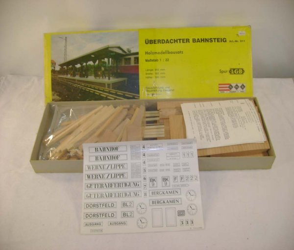 254: ABT: Mint LGB #911 Station Platform Building Kit/O