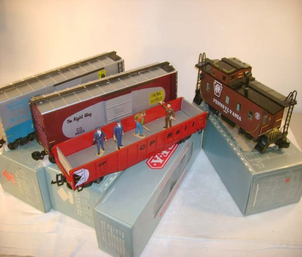 261: ABT: 4 Great REA G Scale Freight Cars/OBs