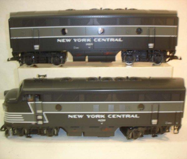 275: ABT: LGB NYC Passenegr Set in Silver Trunk - 4
