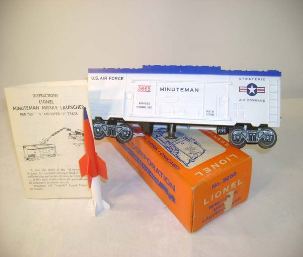 613: ABT: Lionel #3665 Minuteman Rocket Box Car/OB