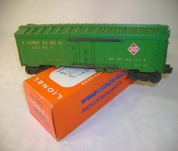 1262: ABT: Lionel #6572 Green REA Reefer/Brick Pix OB
