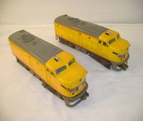 613: ABT: Lionel #2023 Yellow/Gray UP Alco AA Diesels