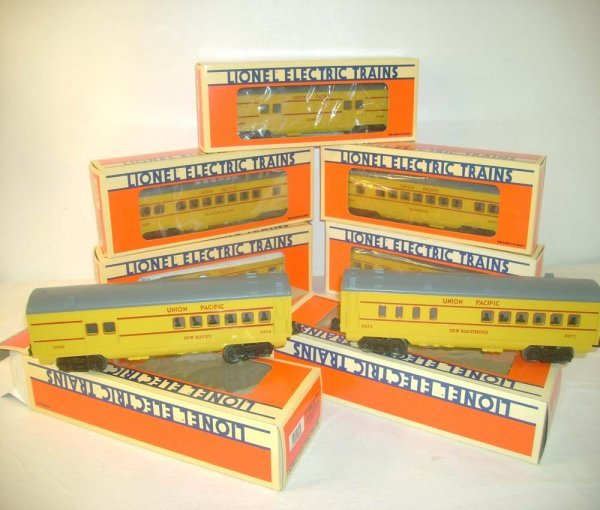 1011: ABT: 7 Lionel Yellow/Gray UP Passenger Cars/OBs