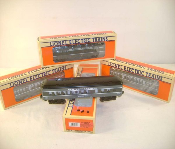 1014: ABT: 4 Lionel Gray NYC Passenger Cars/Obs
