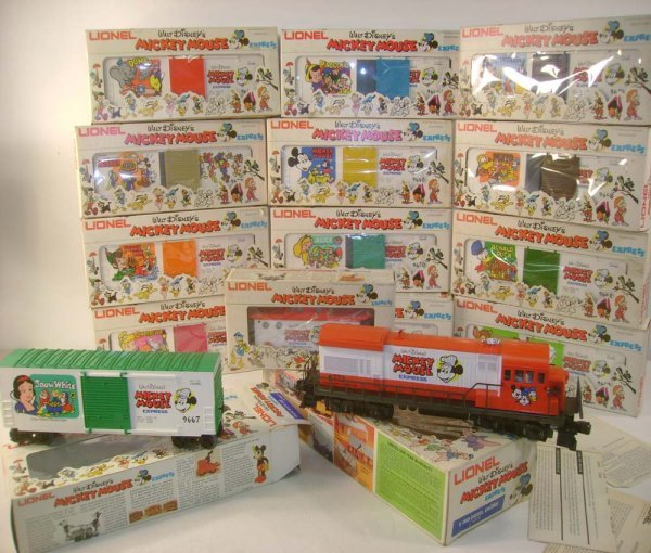 1175: ABT: Lionel #8773 15 Piece Mickey Mouse Set /OBs