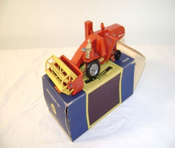 720: ABT: Mint Matchbox M-5 Massey Ferguson Harvester/O