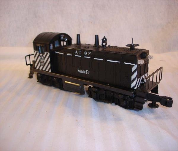 21: ABT:Great Lionel #617 Black ATSF 1963 Switcher