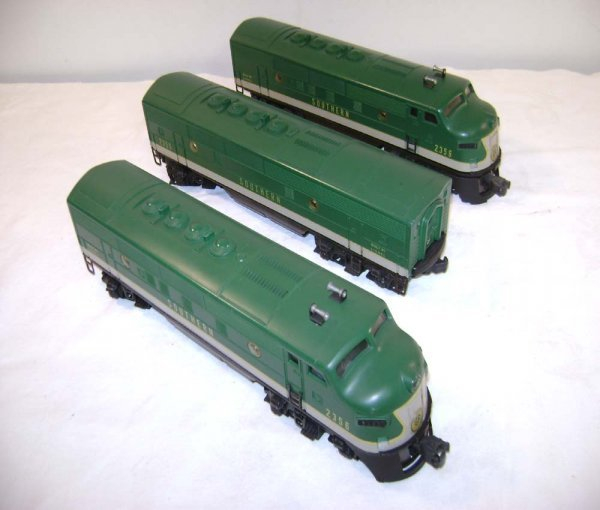 10: ABT: Nice Lionel #2356 Southern F-3 ABA Diesels
