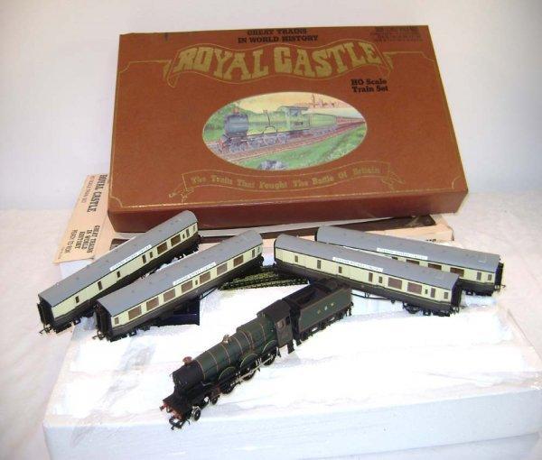236: ABT: Lifelike HO #8782 Royal Castle Train Set/OB