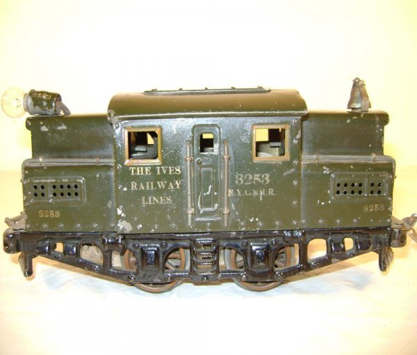 573: ABT: Ives #3243 Dark Green O Gauge Electric