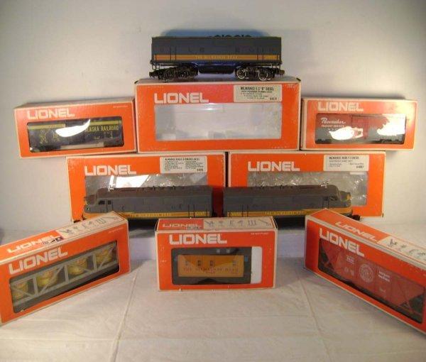 809: ABT: Lionel #1579 MR SSS 1975 Set/OB & #8575 B Uni