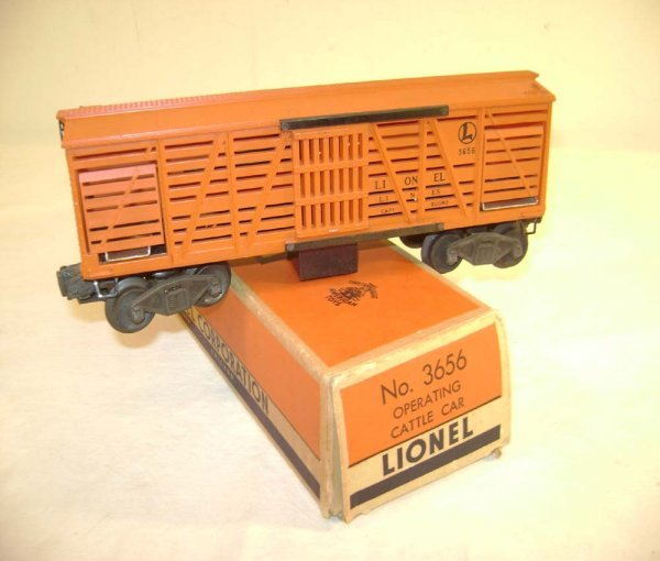 14: ABT: Lionel #3656 Black Lettering Cattle Car/OB