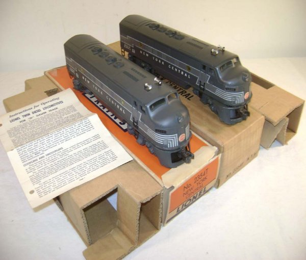 140: ABT: Lionel #2354 NYC F-3 AA Diesels/Great OBs+