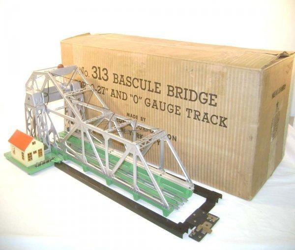 19: ABT: Wonderful Lionel #313 Operating Bascule Bridge