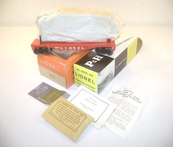 50: ABT: Rare Lionel #6828 Red Flat P&H Crane/Brick OBs