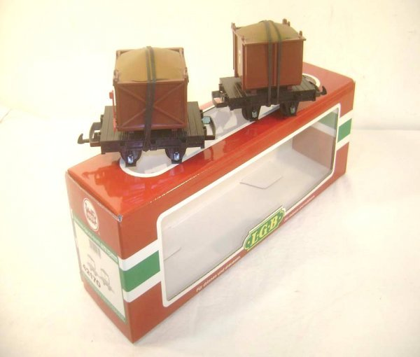 21: ABT: LGB G Scale #42170 Set of Two Flat Cars with C