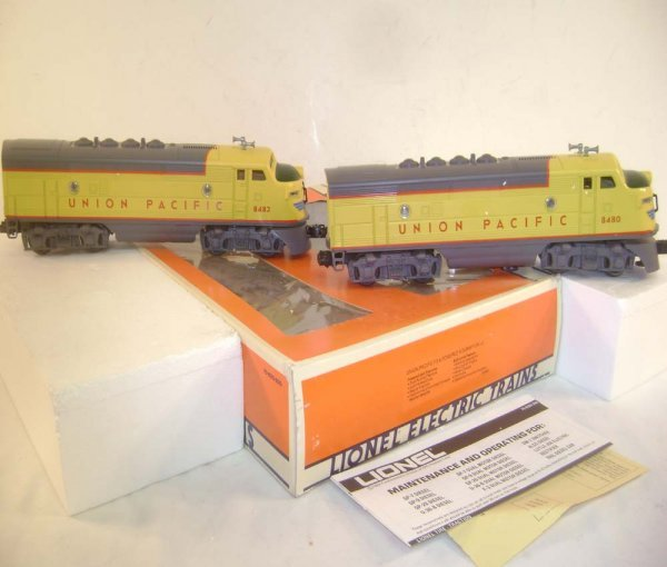 20: ABT: Lionel #8480 Union Pacific F-3 AA Diesels/OB