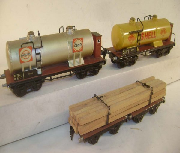 129: ABT: 2 Superb Marklin O Gauge Tank Wagons & 10 Inc