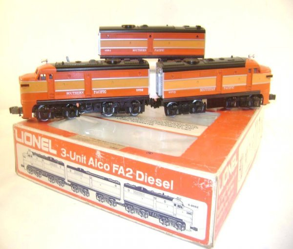 8: ABT: Lionel #8552 Southern Pacific Daylight Alco ABA