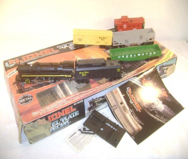 23: ABT: Lionel #1602 Nickel Plate Special Freight Set/