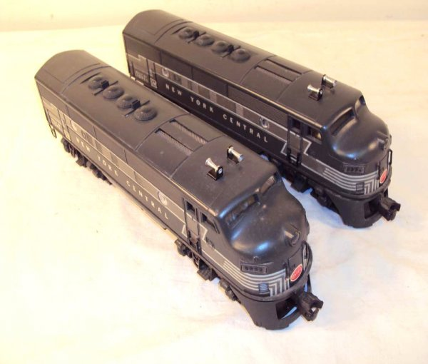 10: ABT: Lionel #2333 New York Central F-3 AA Diesels