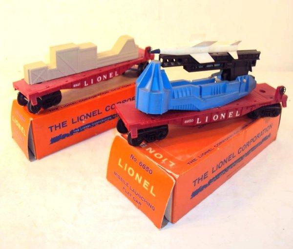 24: ABT: Lionel #6650 IRBM Launcher & #6821 Flat Car w/