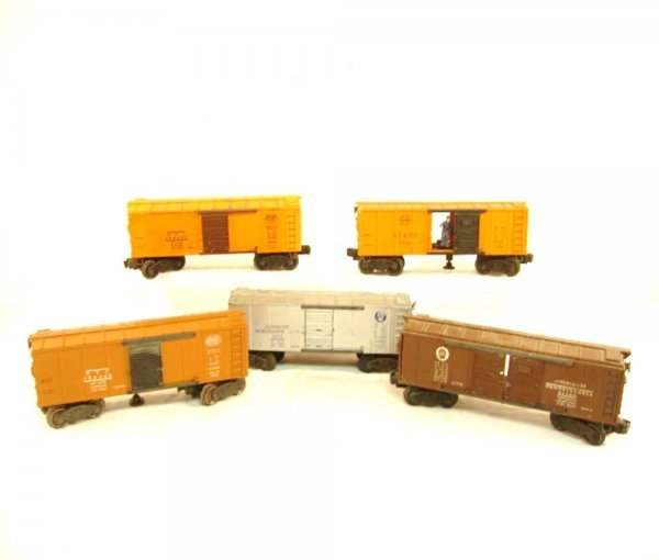 11: ABT: 5 Lionel Late 1940s Box Cars