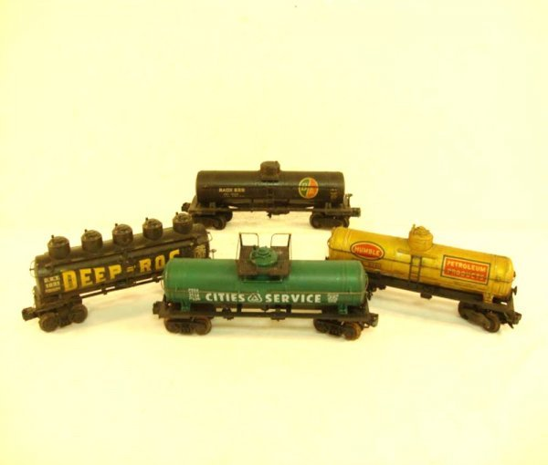 19: ABT: 4 Lionel Tank Cars