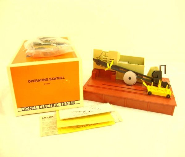 14: ABT: Mint Lionel/AF #2321 Operating Sawmill Accesso