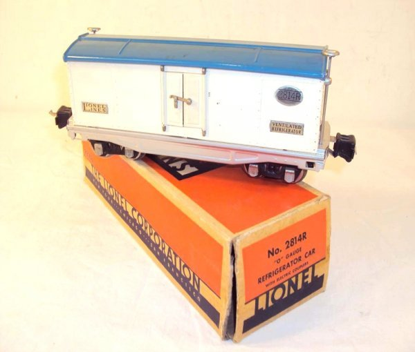 21: ABT: Scarce Lionel #2814R White/Light Blue/Aluminum