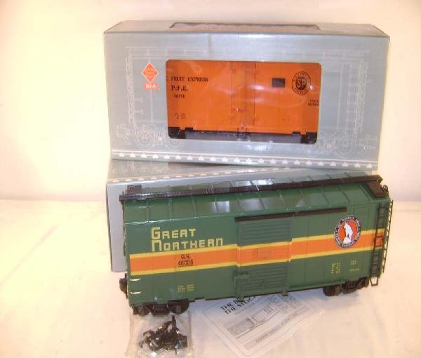 24: ABT: G Scale: Aristo #46201 Pacific Fruit Reefer/46
