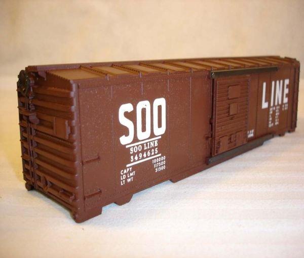 1009: ABT:Mint Lionel #3494-625 Soo Line Box Car Shell