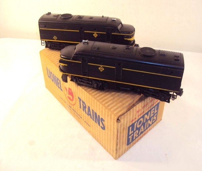 8: ABT: Lionel #2032 Erie Alco AA Diesels/OB+