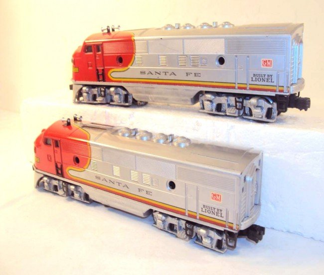 10: ABT: Nice Lionel #2333 High Red-Decal Santa Fe AA D - 4
