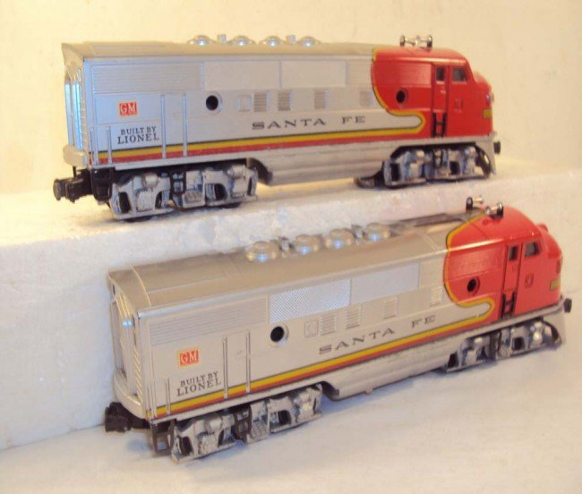 10: ABT: Nice Lionel #2333 High Red-Decal Santa Fe AA D - 7