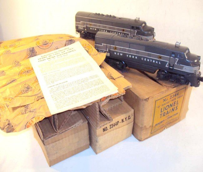 20: ABT: Lionel #2344 New York Central F-3 AA Diesels/1