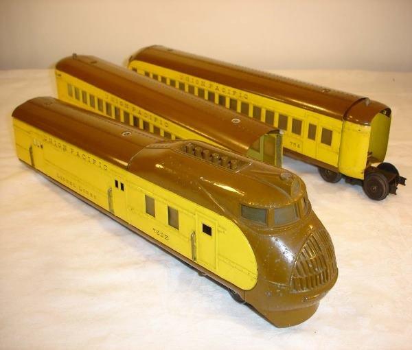 23: ABT: Lionel #752E Yellow/Brown City of Portland Set