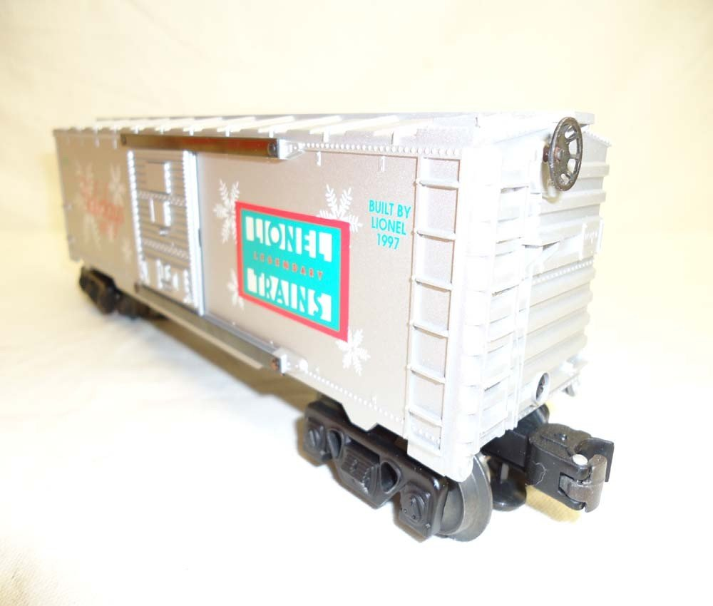 81: ABT: Lionel #16776 1997 Holiday Rail Sounds Box Car - 4