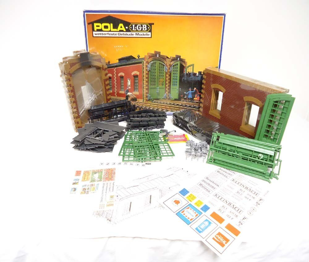 9: ABT: LGB G Scale: Pola #911 Double Loco Shed/OB