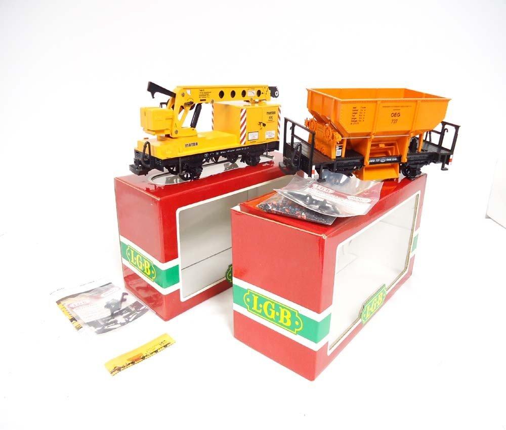 13: ABT: LGB G Scale: #4041/4042 Hopper and Crane Cars/