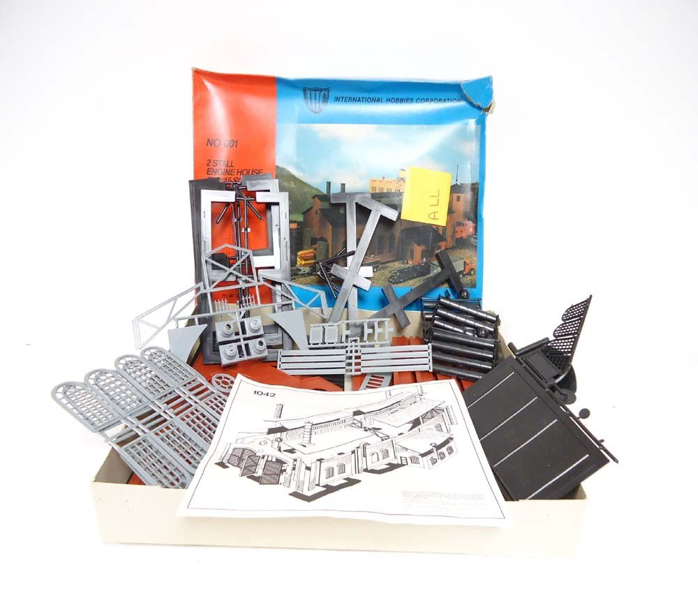 17: ABT: LGB G Scale: IHN #001 2-Stall Engine House 1/4