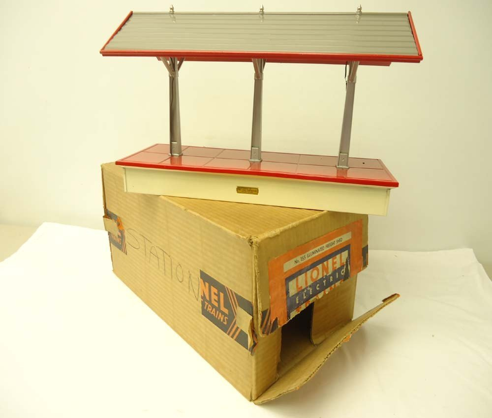 6: ABT: Nice Lionel #155 Late Illuminated Freight Shed/