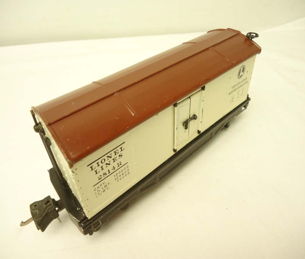 16: ABT: Lionel #2814R Ivory/Brown Rubber-Stamped Reefe