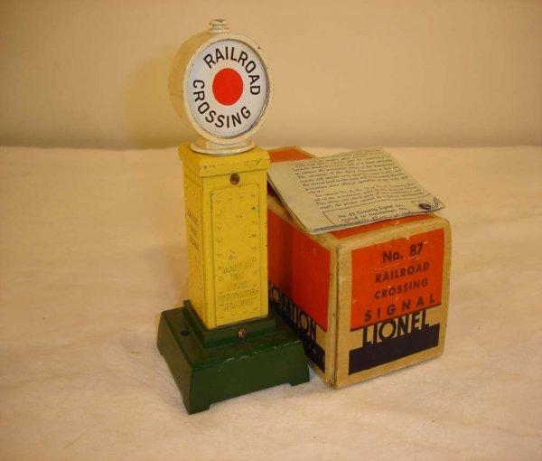 16: ABT: Nice Lionel #87 Railroad Crossing Signal/OB