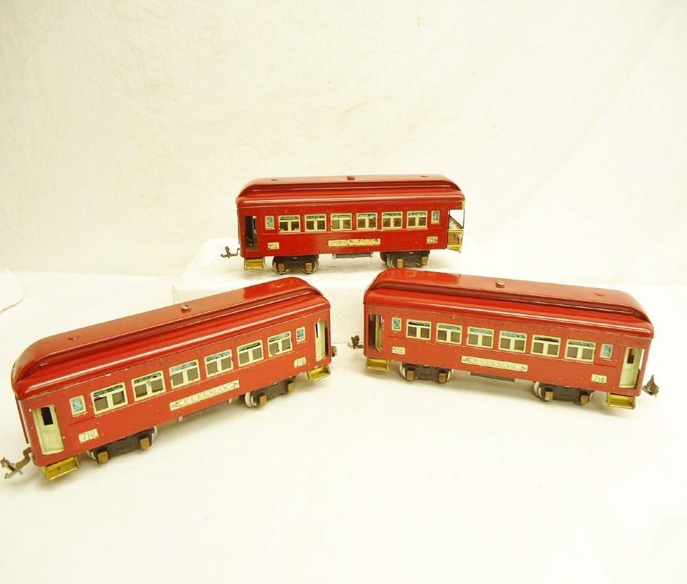 15: ABT: Lionel #710 (2) & #712 Red Passenger Cars