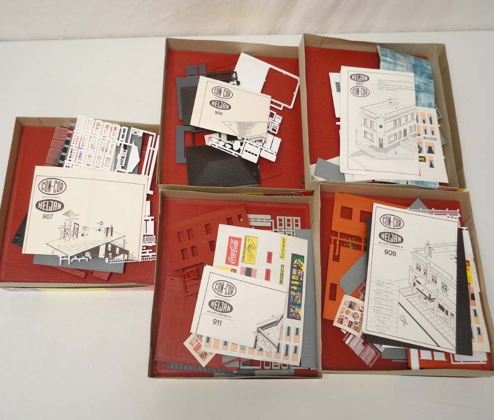 13: ABT: Con-Cor HO Scale: 5 Assorted Building Kits/OBs