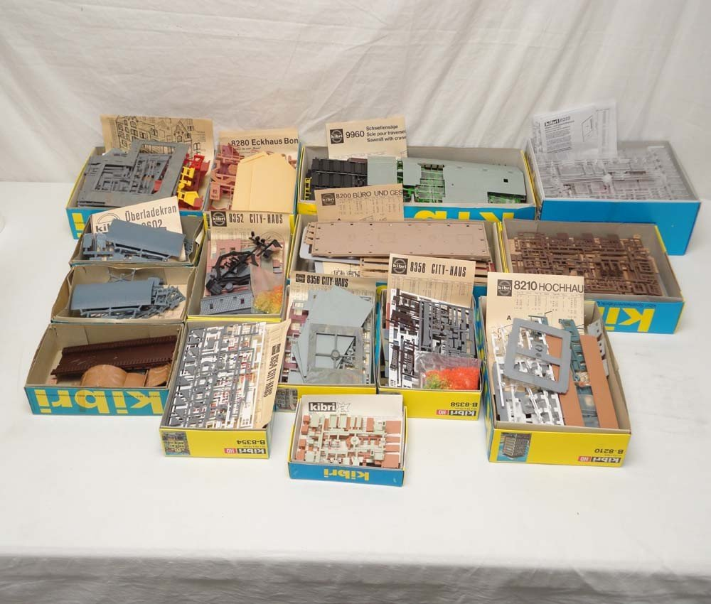 18: ABT: Kibri HO Scale: 15 Assorted Kits/OBs