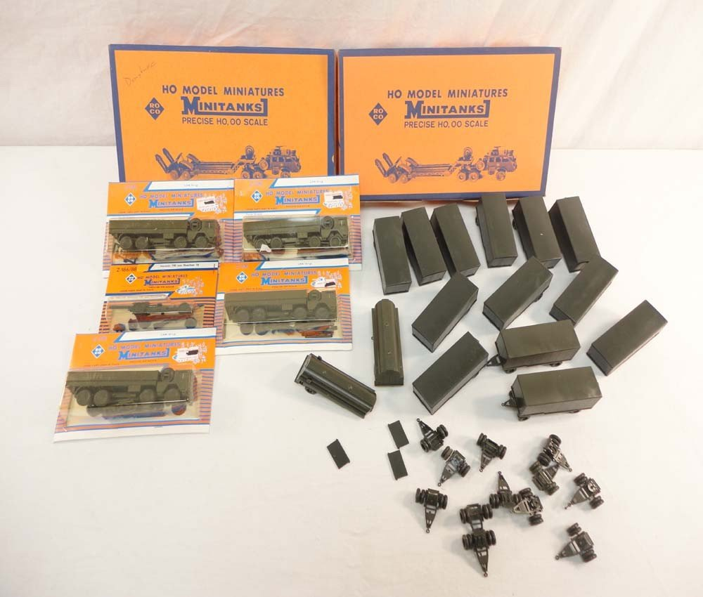 19: ABT: Roco HO Scale: 4 Trucks, 15 Trailers and a Can