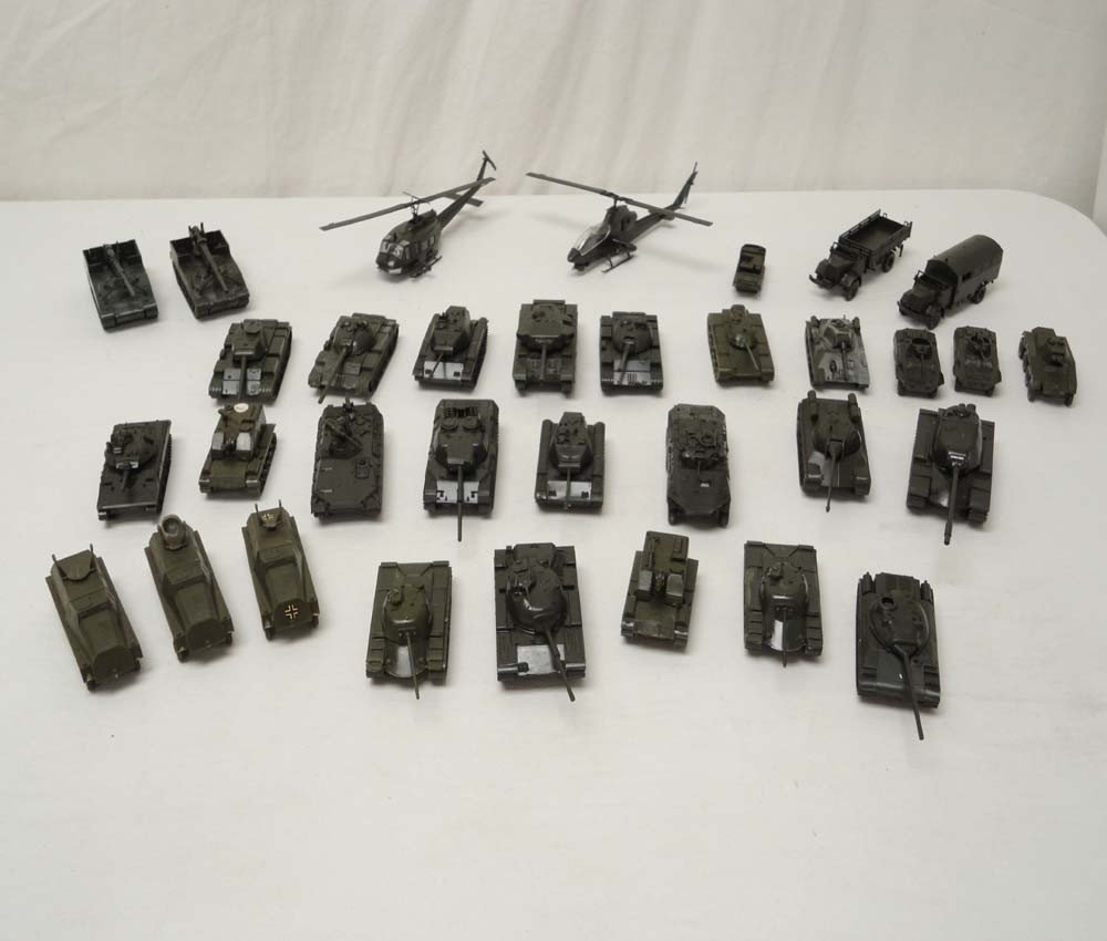 20: ABT: Roco HO Scale: 33 Military Vehicles and Air Cr
