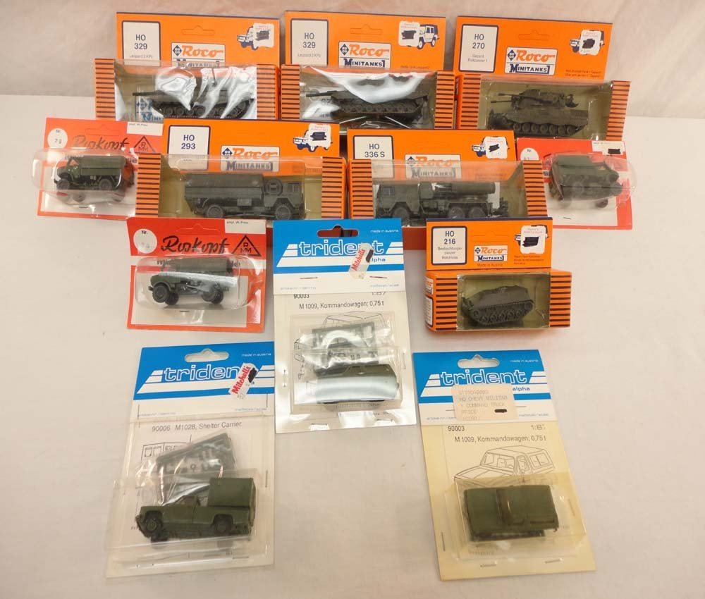22: ABT: Roco/Trident/RMM HO Scale: 12 Assorted Militar